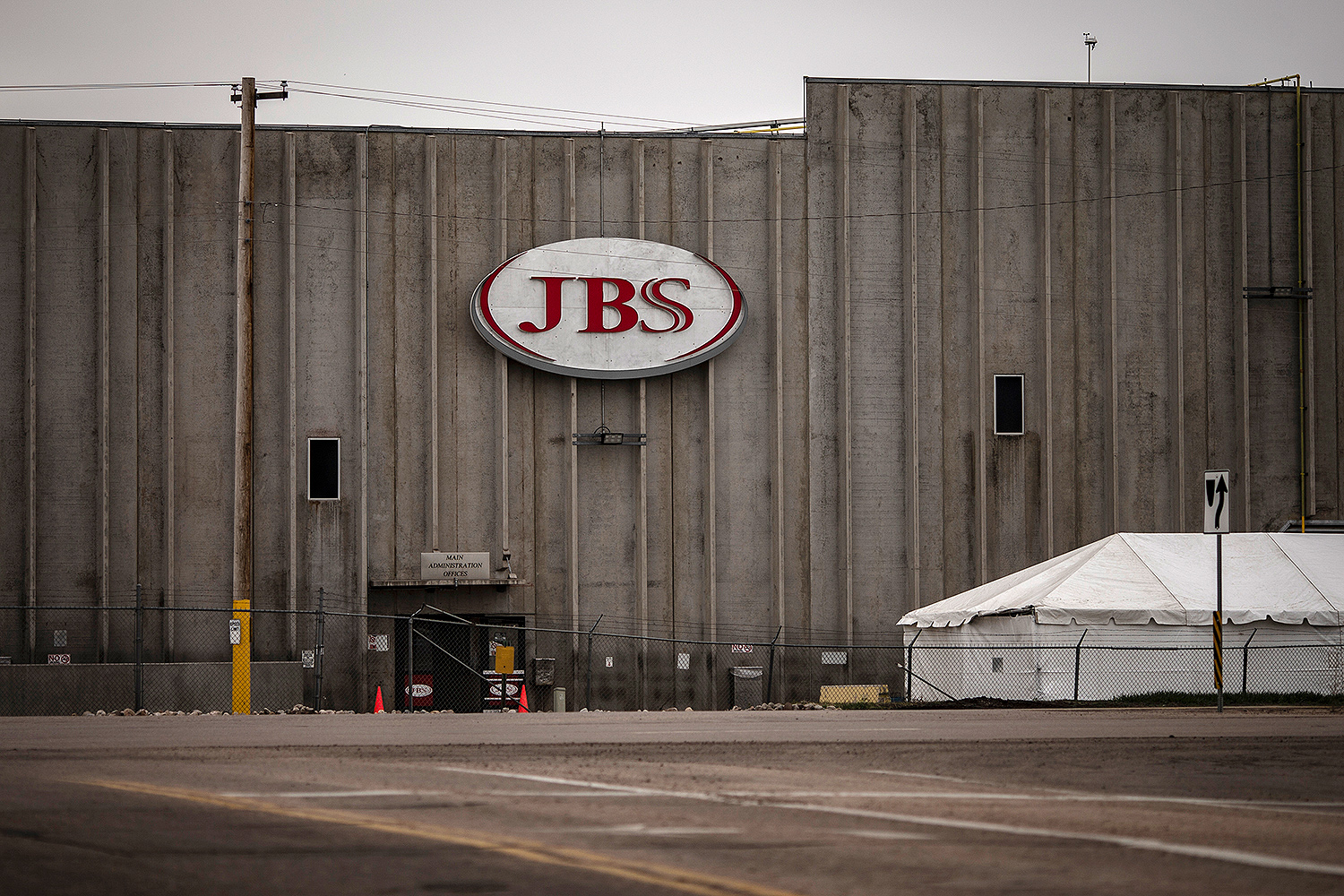Colorado Meatpacking Plant Worker Dies After Being Hit by Equipment and Falling
