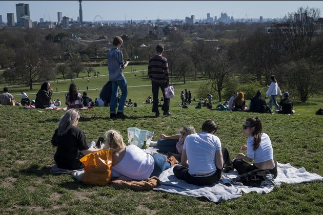 Britons urged to obey coronavirus restrictions amid warm weather