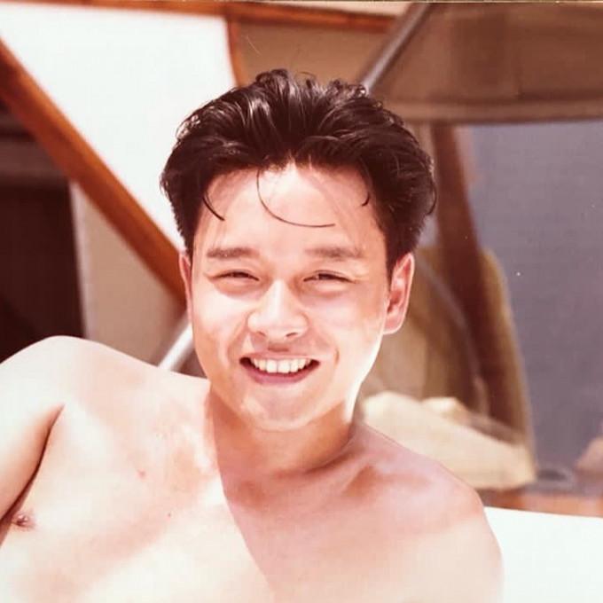 【维港会】张国荣逝世18年 挚爱唐鹤德贴独照怀缅:想你了