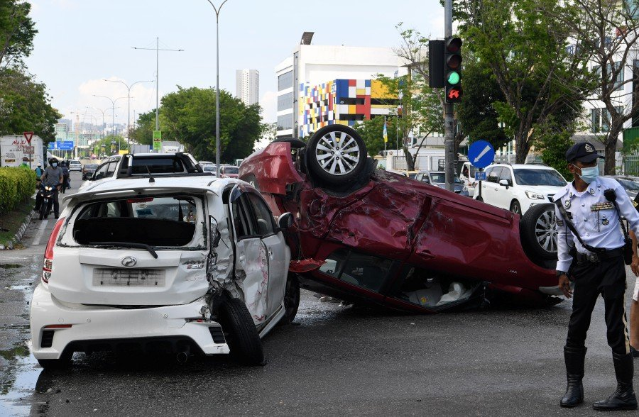 Driver in fatal Penang crash may have assaulted man prior to accident