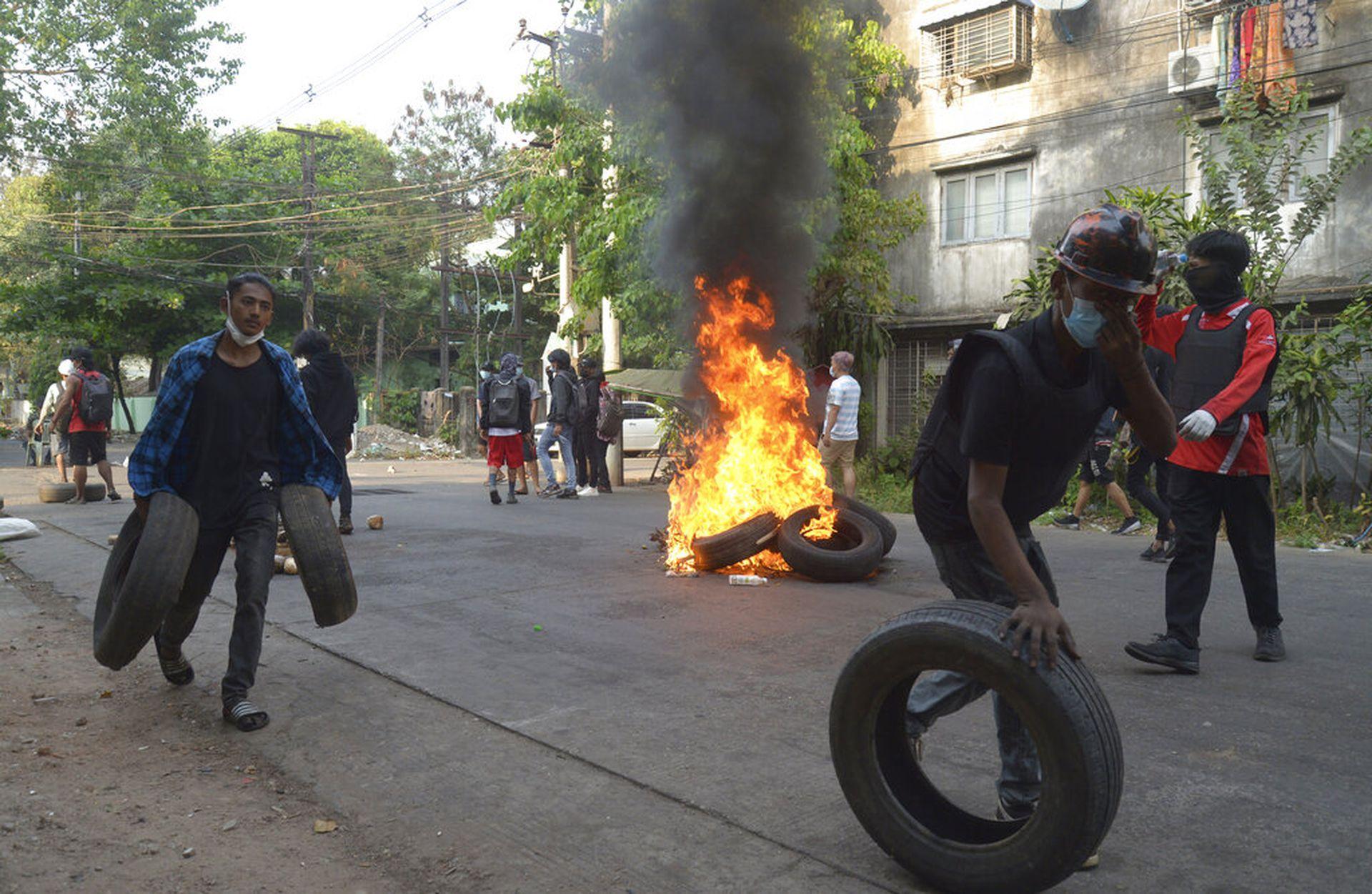联合国安理会谴责缅甸军方暴力镇压 致数百平民丧生(图)