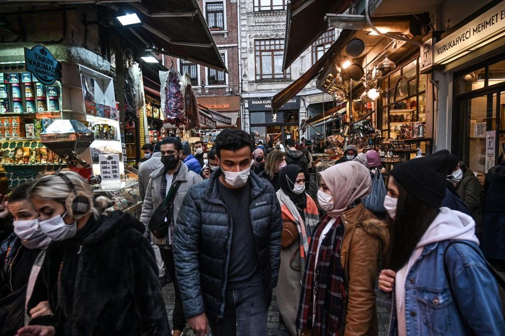 【冠状病毒19】土耳其再有4万4756人确诊 累计病例逾344万起