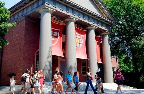 哈佛大学歧视亚裔?原来是这则告示的锅