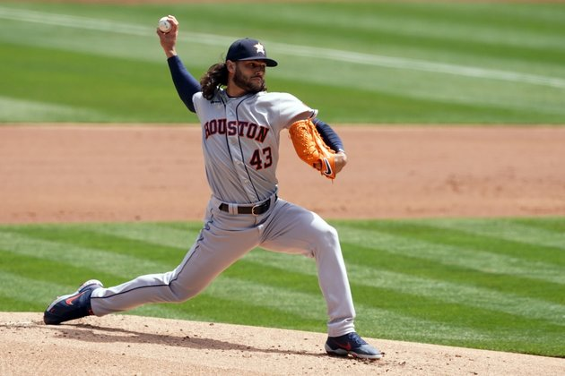 Astros rout A's, improve to 3-0