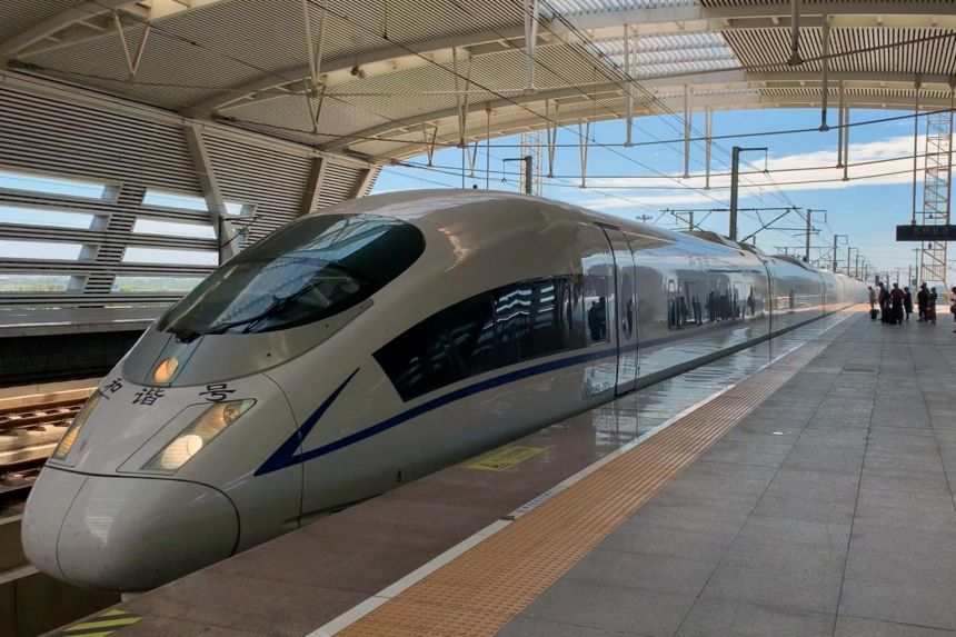 China looks to slow growth of money-losing high-speed rail