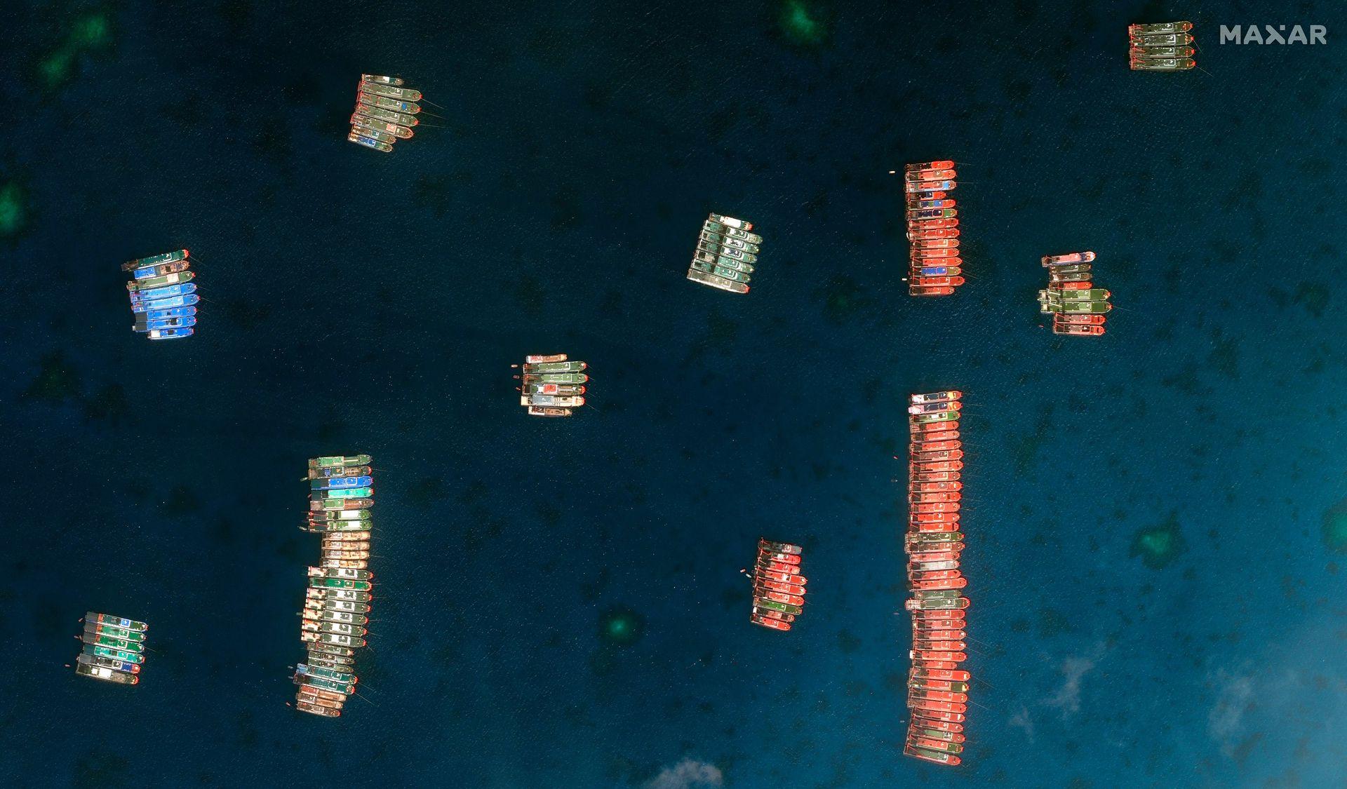 菲律宾总统府警告北京:牛轭礁事件恐致中菲擦枪走火(组图)