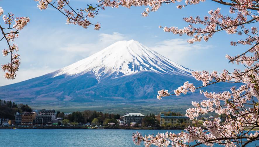 富士山拟征入山税 增条件防准备不足者登山