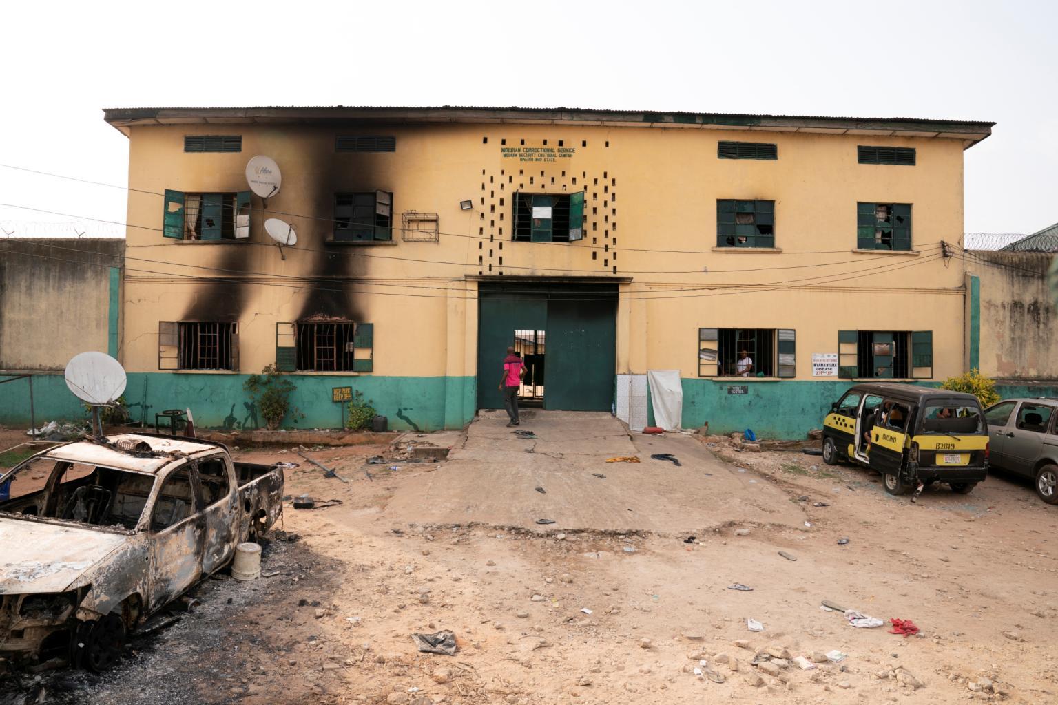 Fear in Nigerian town after mass jailbreak