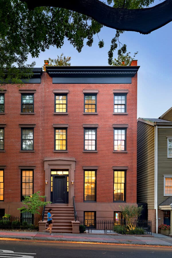 For a Brooklyn Heights Townhouse, a Divine Reinvention