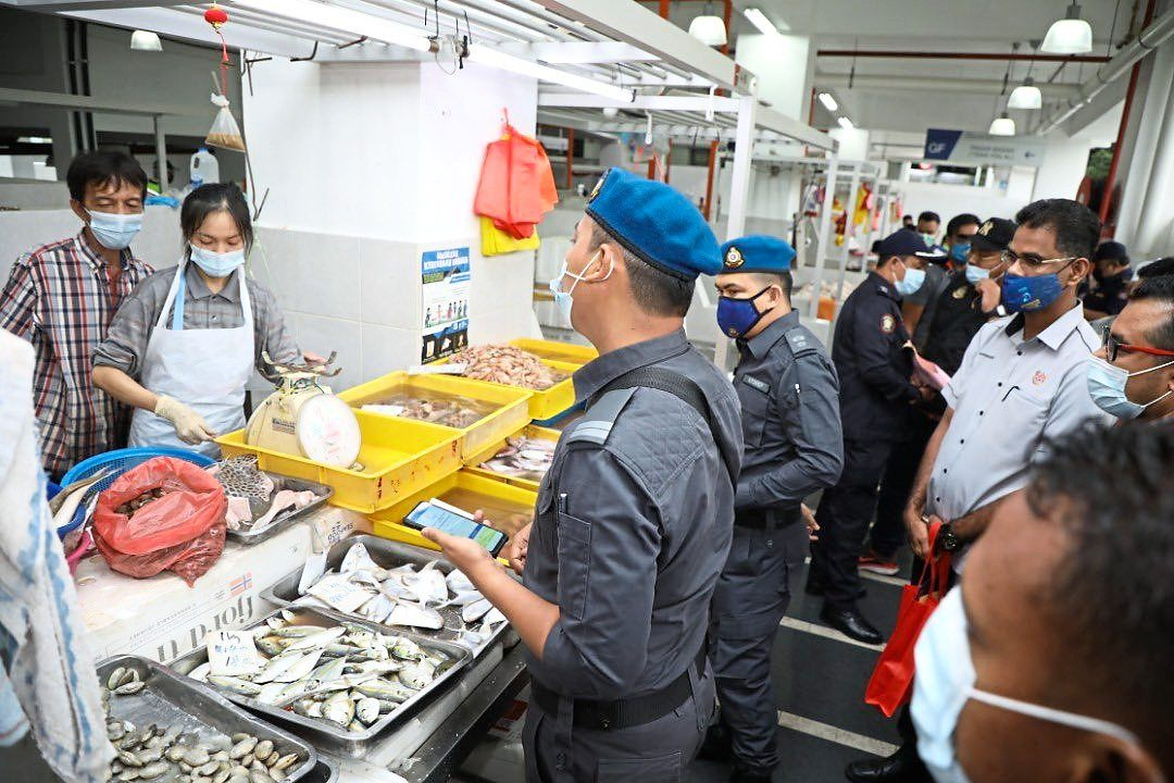 Taman Sri Muda market traders compounded for various offences