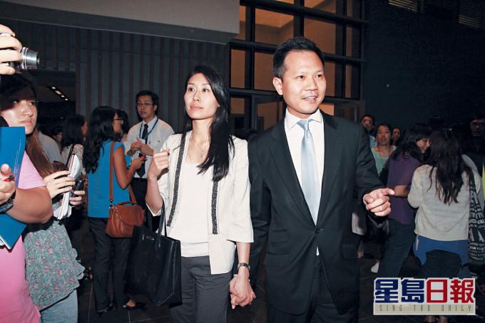 郭荣铿偕妻儿先后离港往加拿大 妻在港仍然有楼收租