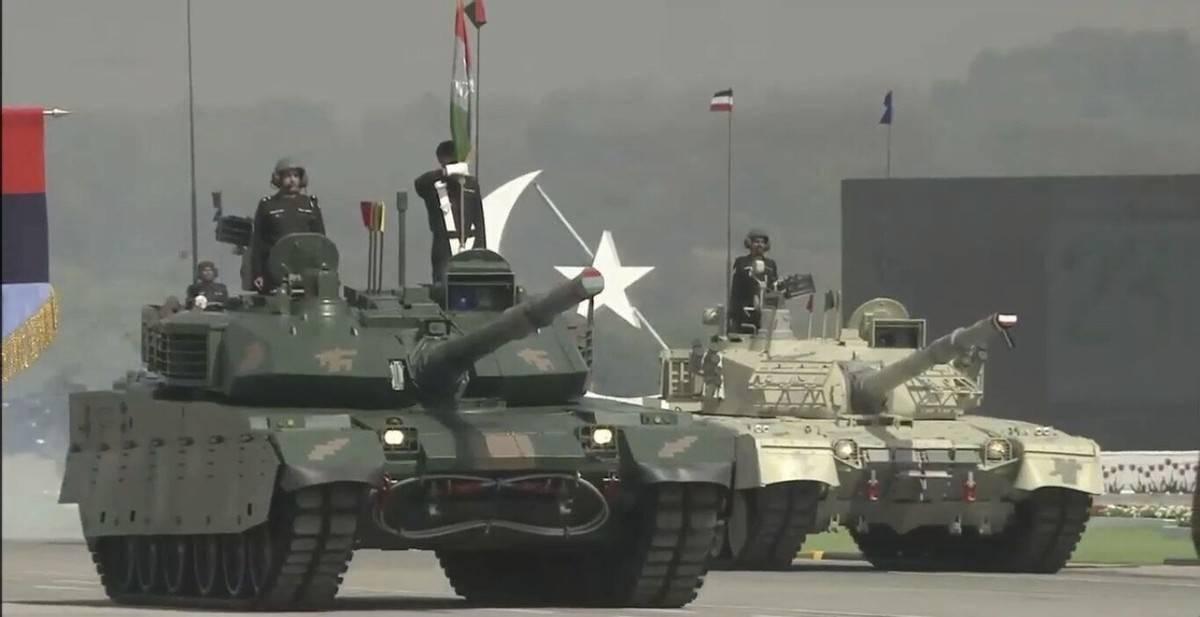 领衔坦克方队!巴铁高调展示VT4,性能一流可对抗印度T90