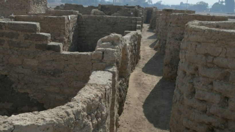 'Lost golden city' found in Egypt reveals lives of ancient pharaohs