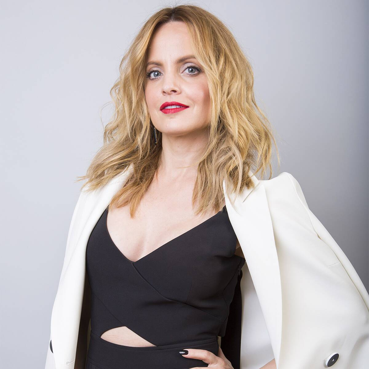 Mena Suvari Gives Birth to Her First Baby With Husband Michael Hope
