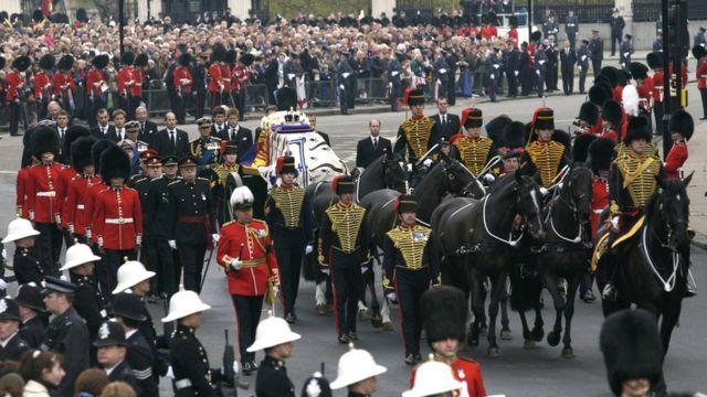 菲利普亲王:BBC为何如此深度报导王室成员去世消息?(组图)