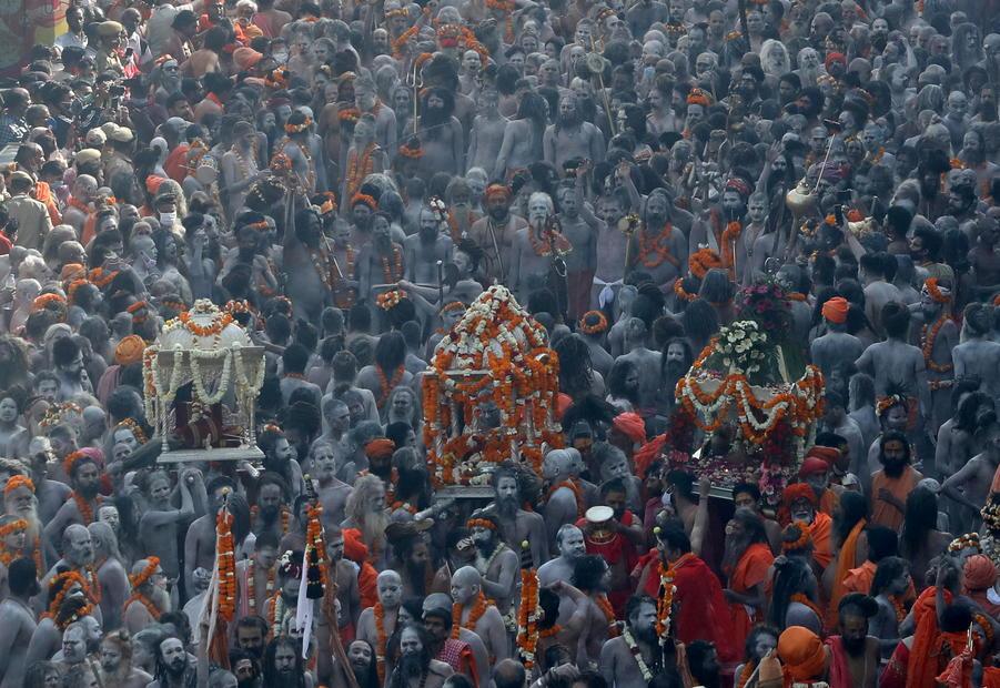 'Super-spreader' erupts as devout Hindus throng Indian festival