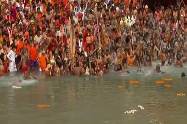 Kumbh Mela Officer inaugurates world's largest Diya