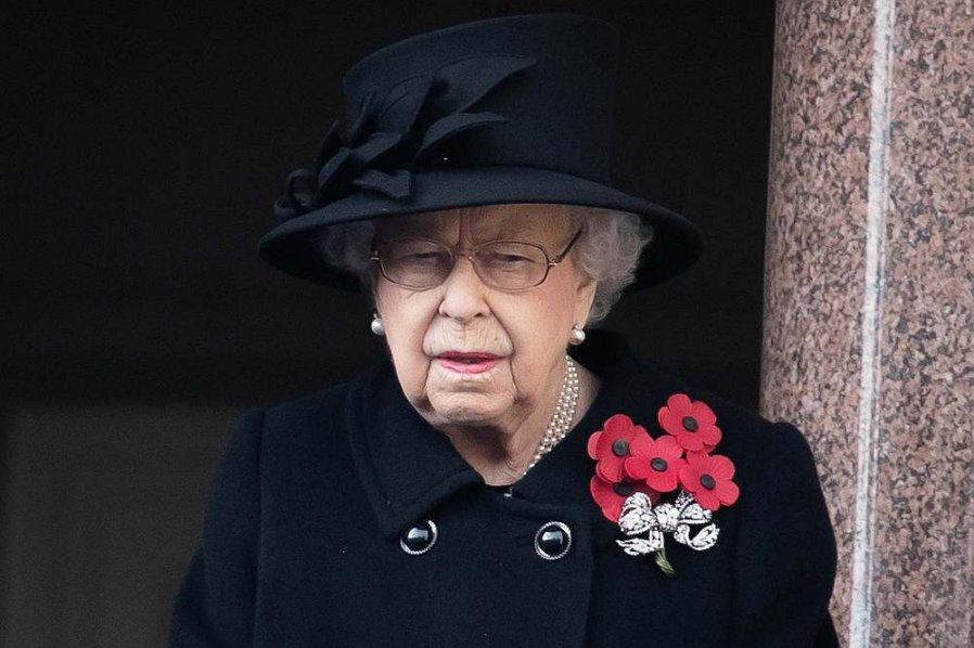 英女王丧夫4天返回王室工作