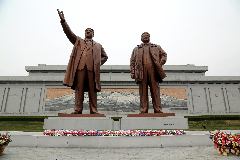 """金日成冥诞 朝鲜庆祝""""太阳节"""""""