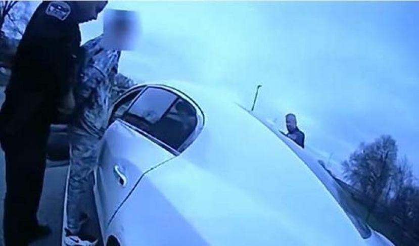 美国明州莱特案开枪警察被捕 面临二级过失杀人罪指控
