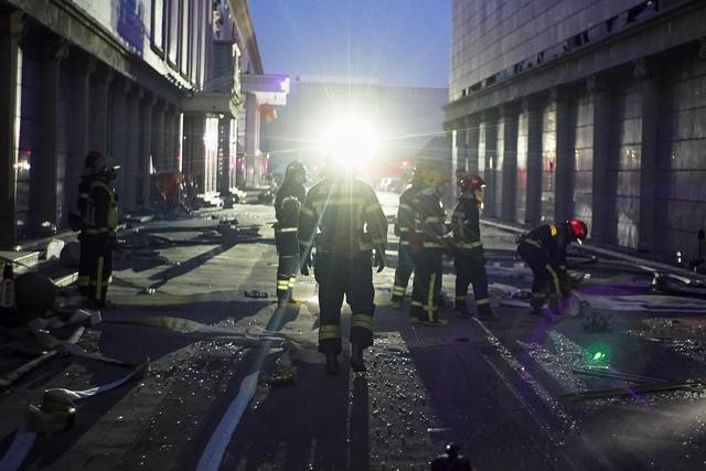 突发!北京一储能电站爆炸 2名消防员牺牲,1名员工失联(图)