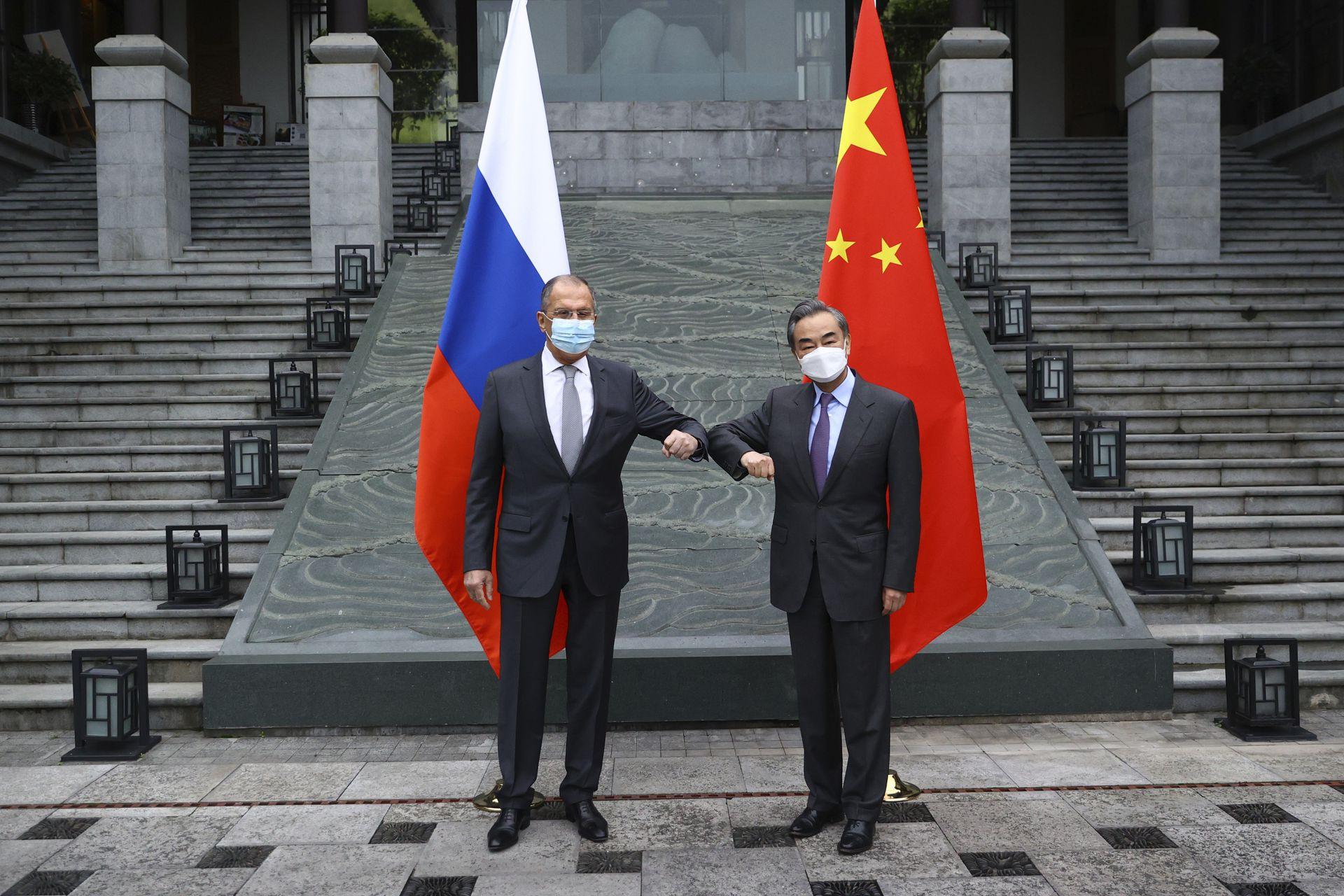 反击美国制裁,俄罗斯宣布将驱逐10名美国外交官(图)