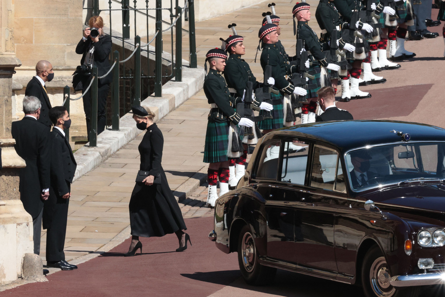 Kate Middleton and Prince William Head to Windsor for Prince Philip's Funeral