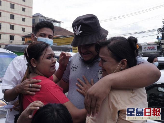 缅甸特赦逾23000犯人 敏昂莱本周出席东盟峰会