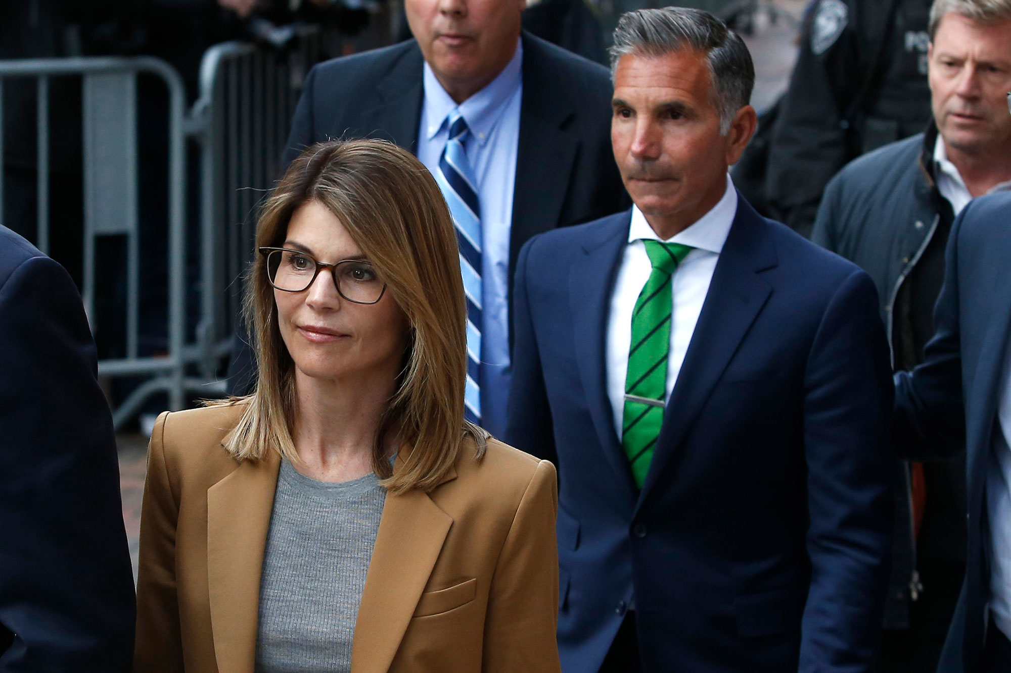 Lori Loughlin and Mossimo Giannulli Are 'Beyond Relieved' to Complete Prison Sentences: Source