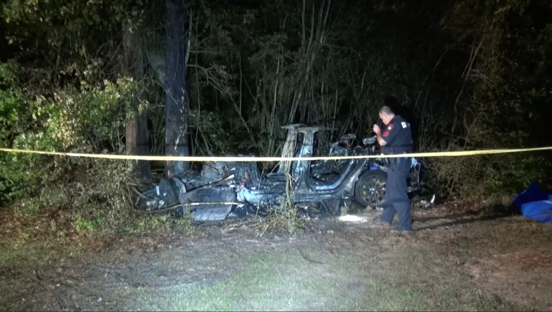 特斯拉车祸2死 马斯克否认自驾系统导致