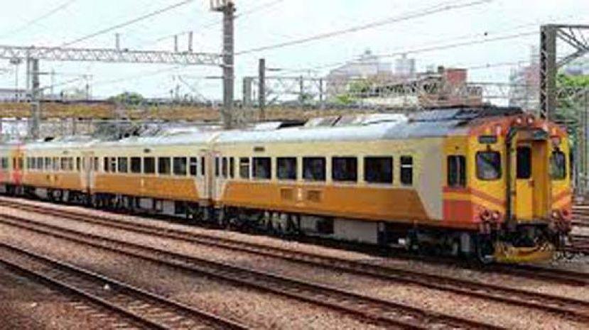 台铁EMU300型列车 周二又故障