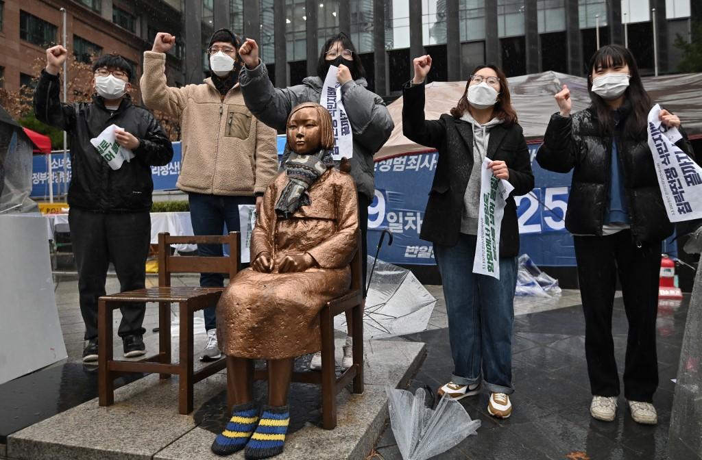 South Korea court dismisses 'comfort women' case against Japan