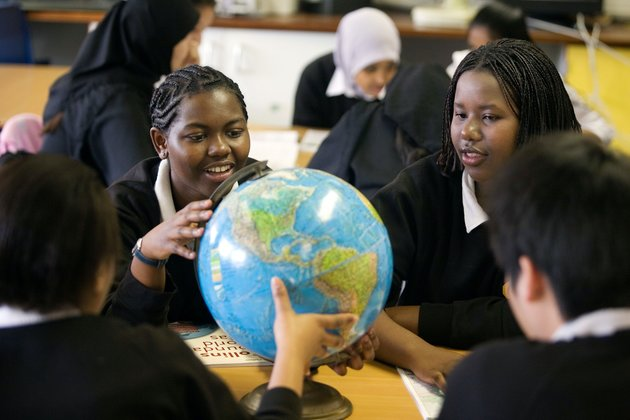 Afro hair: How pupils are tackling discriminatory uniform policies