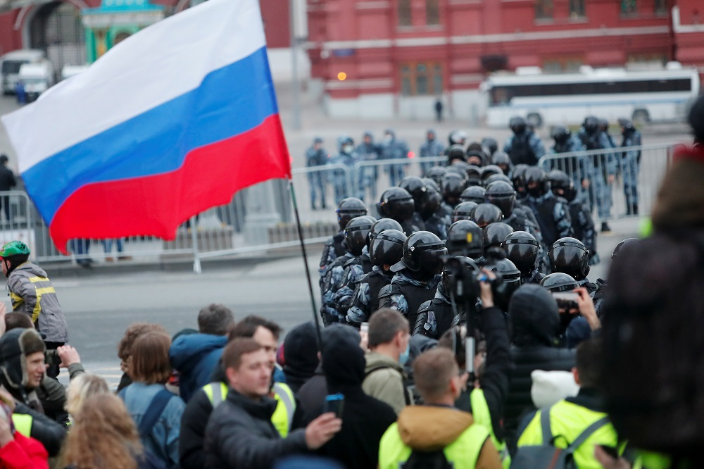 Russia arrests over 1,700 at rallies for hunger-striking Navalny