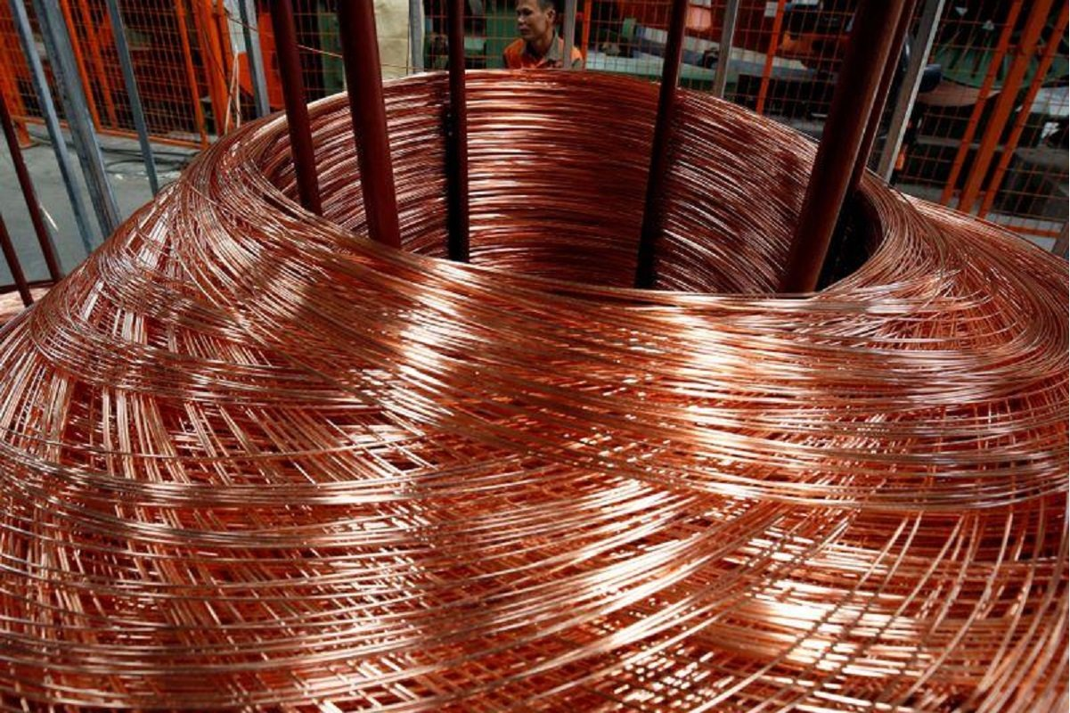 Copper marches towards 10-year high on weaker US dollar, supply concerns