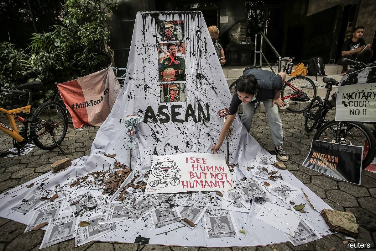 Myanmar people slam ASEAN-junta consensus to end violence, but no immediate protests