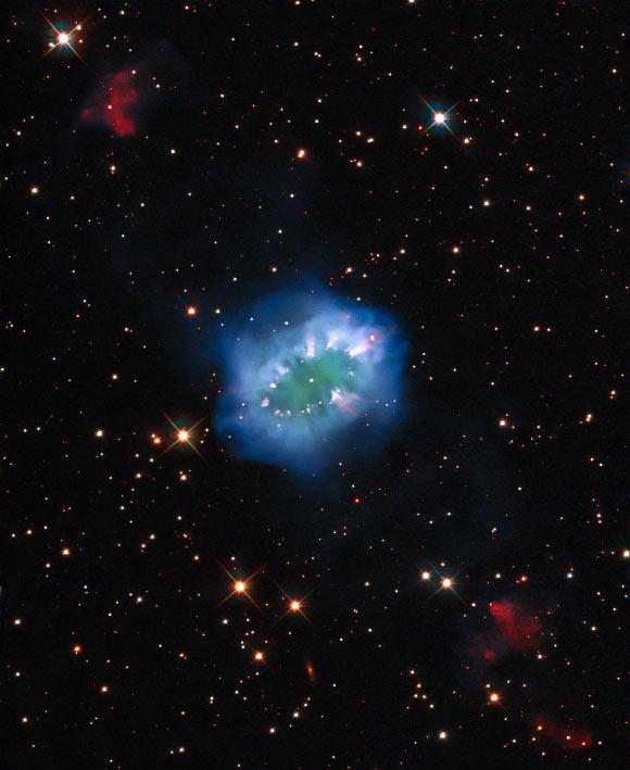 Hubble Captures New Image of Necklace Nebula   Astronomy