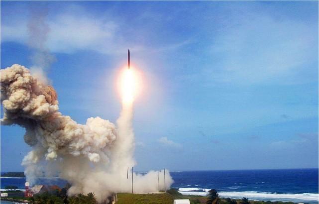 美军备战西太平洋海空大决战,两年内将导弹命中精度从米级缩短为厘米级