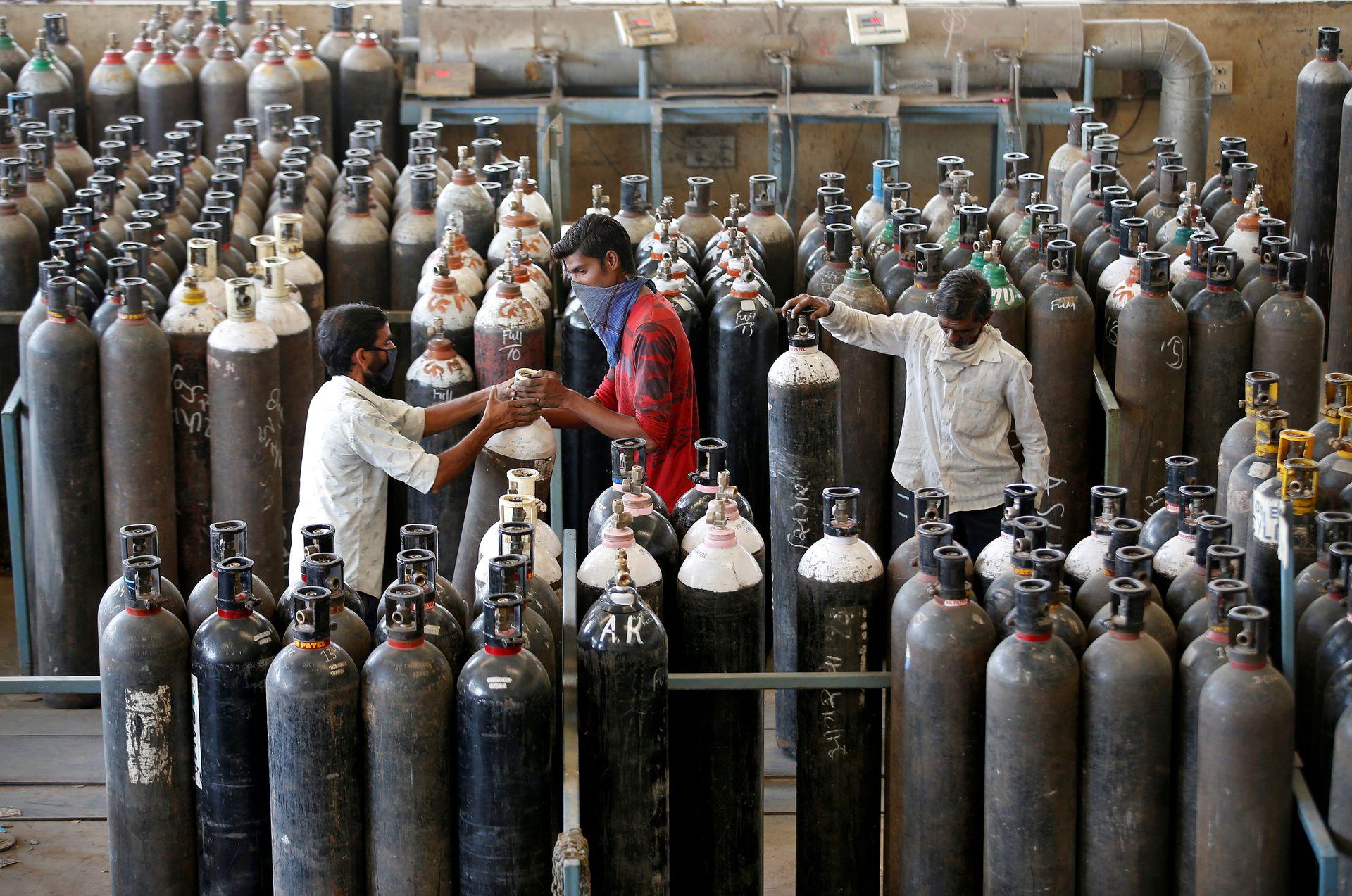 印度理论可1天生产7100吨氧气,为何仍短缺?(组图)