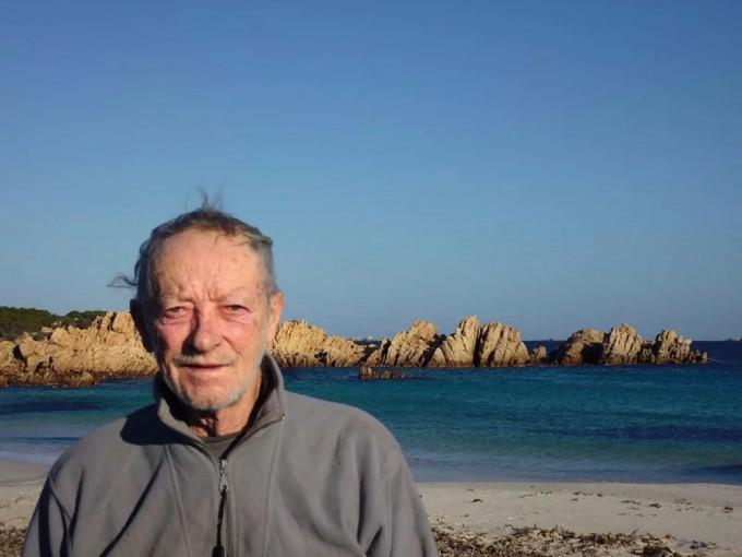 81岁老翁独守孤岛逾30年 被政府迫走结束冒险生涯