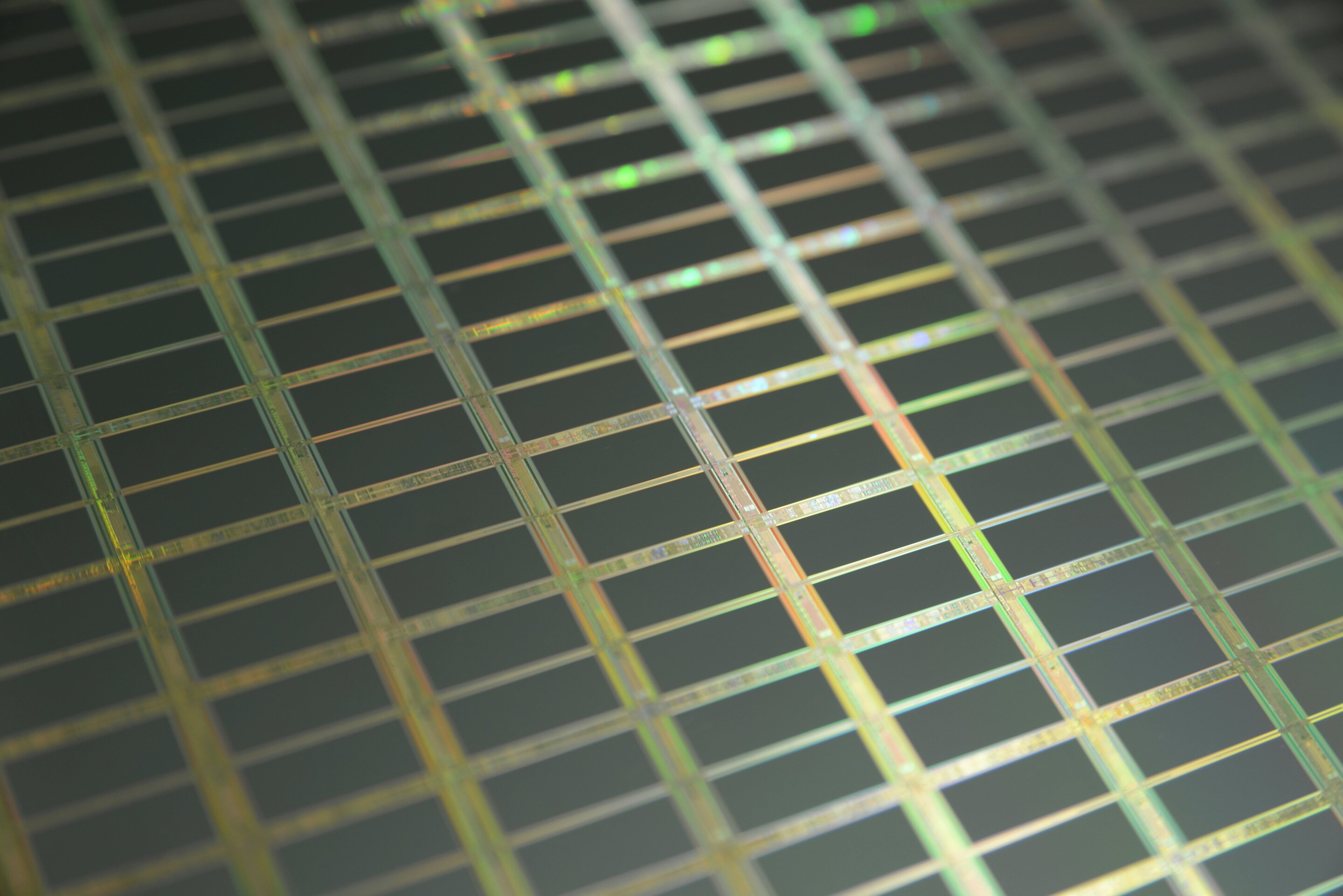 Study suggests that silicon could be a photonics game-changer