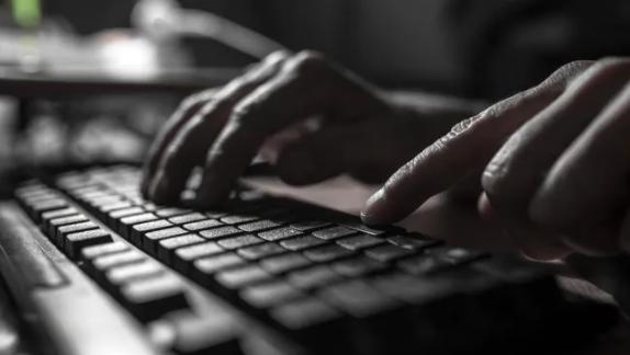 """澳洲高中遭黑客暗网威胁,""""不合作将泄露宝贵文件""""(组图)"""