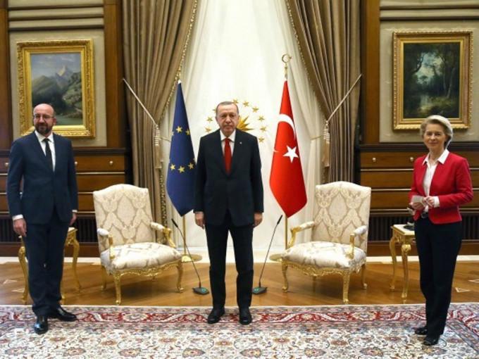 土耳其澄清冯德莱恩未获安排座位非性別问题