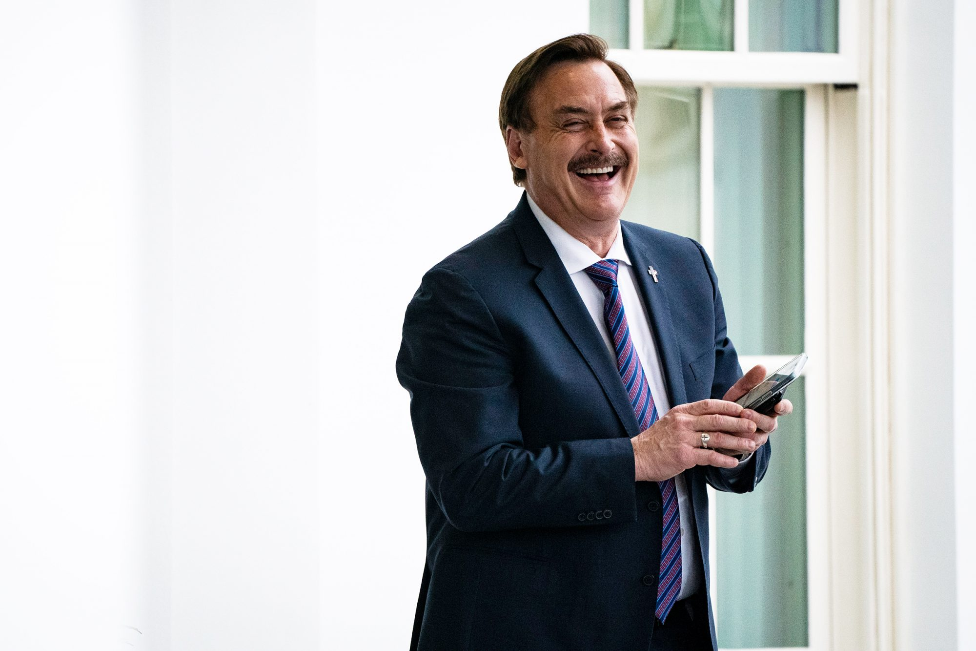 Jimmy Kimmel Tells MyPillow CEO Mike Lindell 'I Worry About You' amid Baseless Push Against 2020 Election