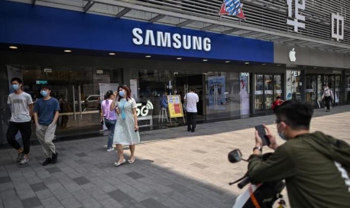 华为中国销量腰斩 三星超越苹果热销全球