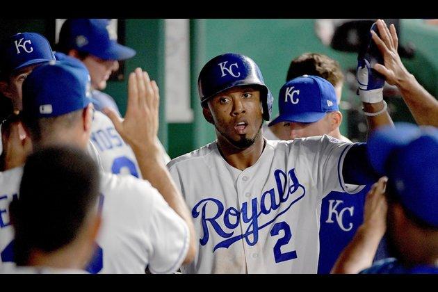 Royals bring back SS Alcides Escobar on minor league deal