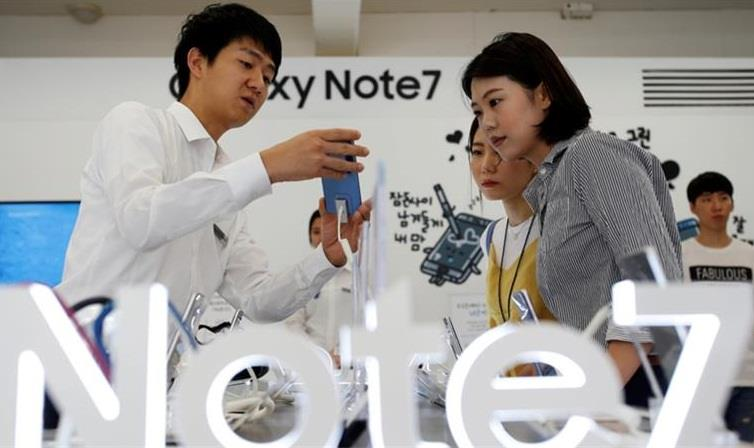 Samsung urges customers to halt use of Galaxy Note 7