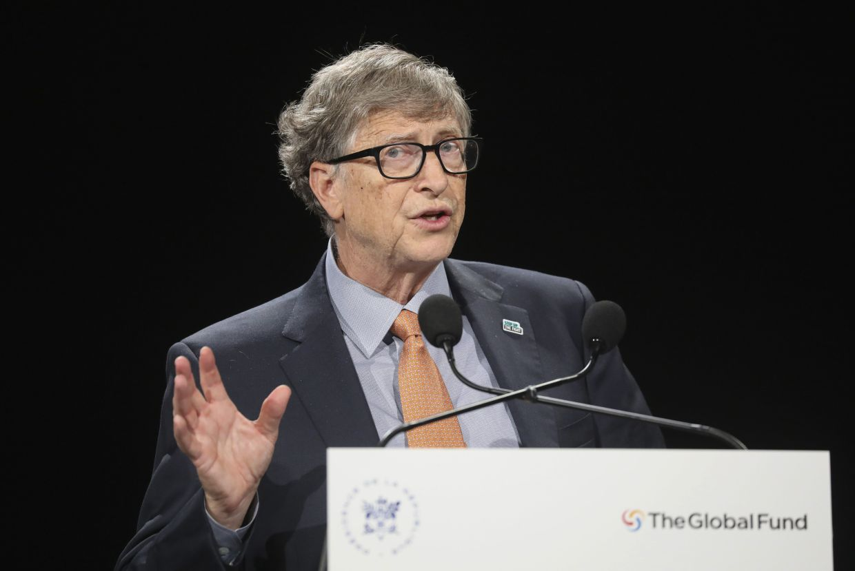 Bill Gates' leadership roles stay intact despite allegations