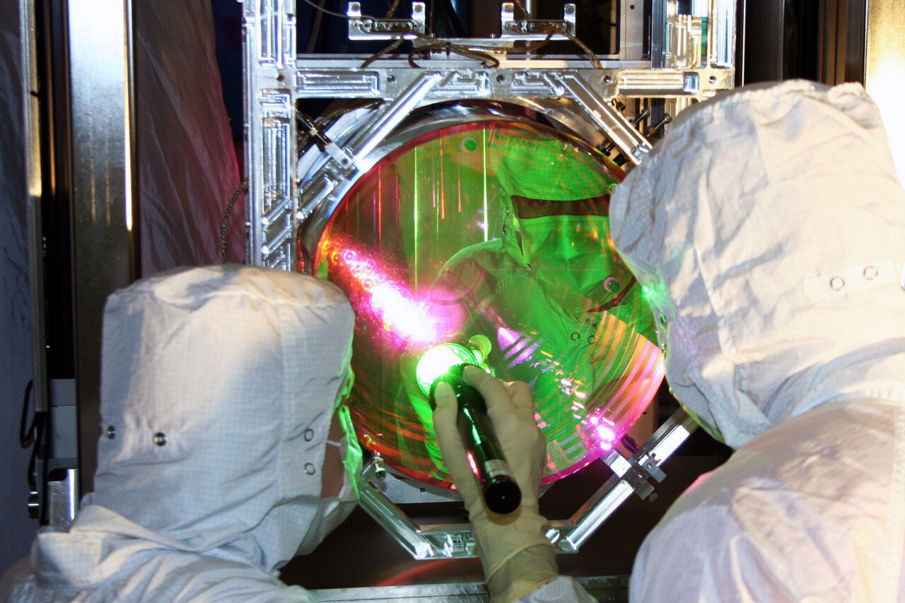 Physicists bring human-scale object to near standstill, reaching a quantum state