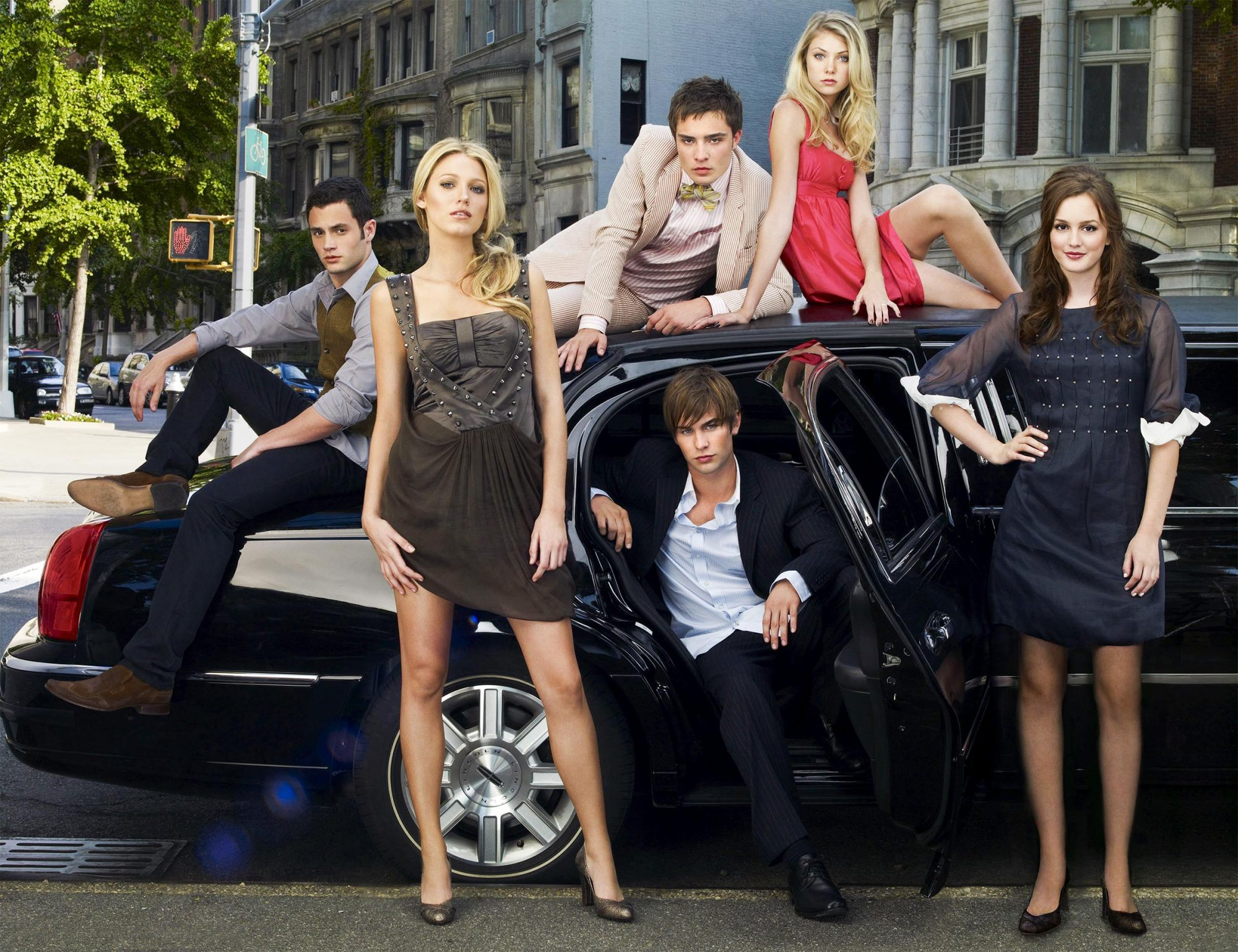 Gossip Girl Reboot Will Feature Cameos from Some OG Cast Members, 'But Not the Series Regulars'